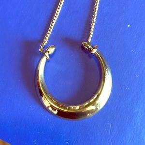 NWOT gold stella and dot necklace.